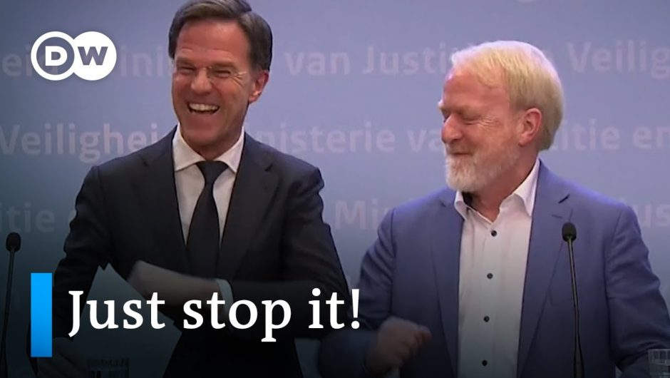Dutch Prime Minister Rutte forgets his own Coronavirus advice | DW News