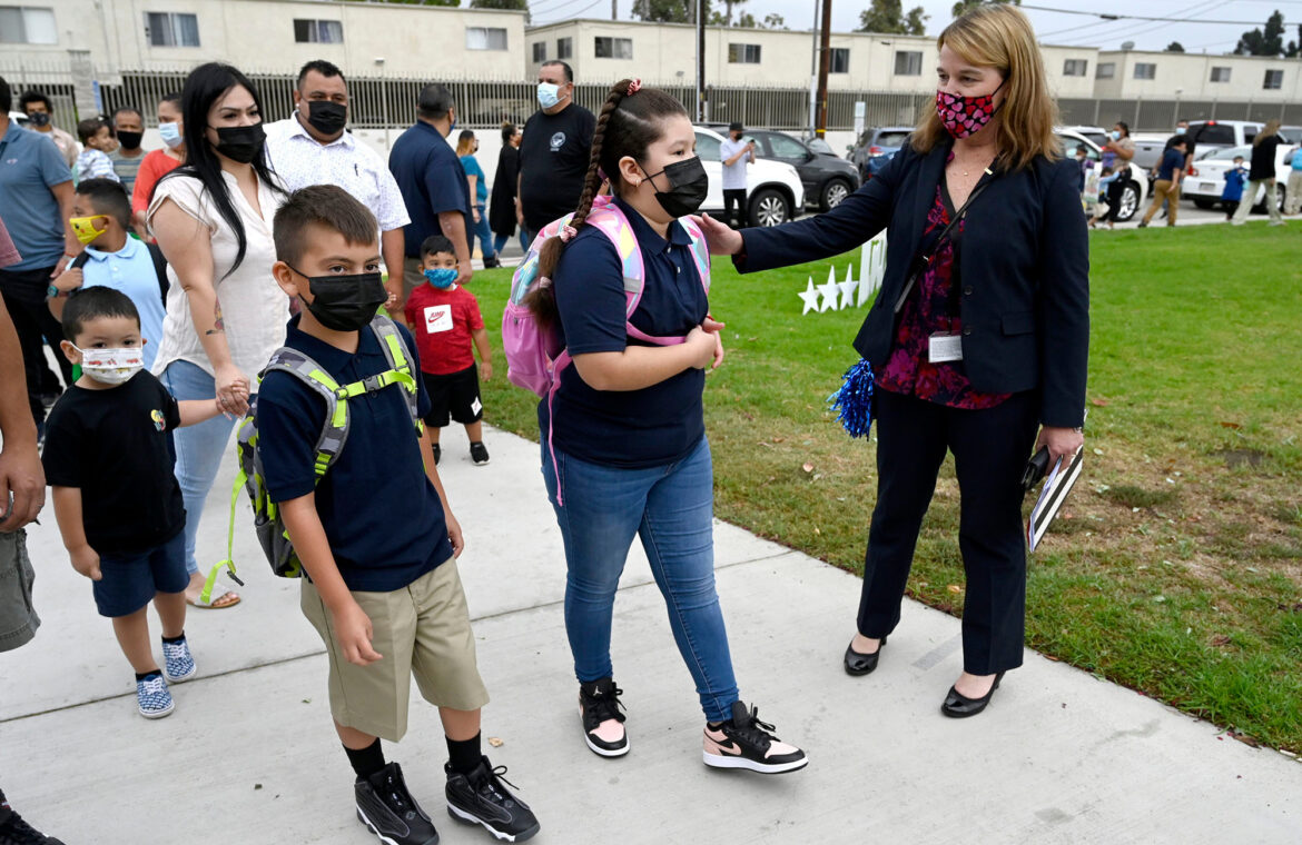 Los Angeles school board to vote on student vaccine